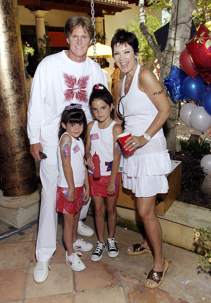 Bruce and Kris Jenner with daugthers Kylie and Kendall when they were younger