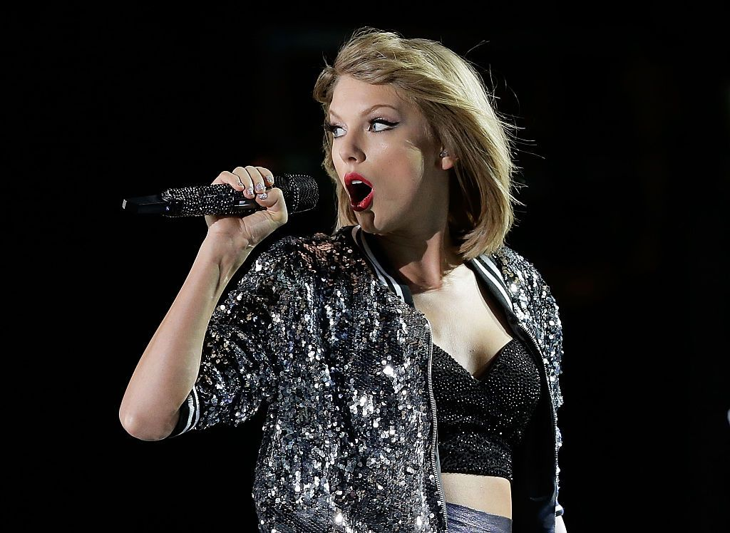 Taylor Swift performs during her '1989' World Tour at ANZ Stadium on November 28, 2015