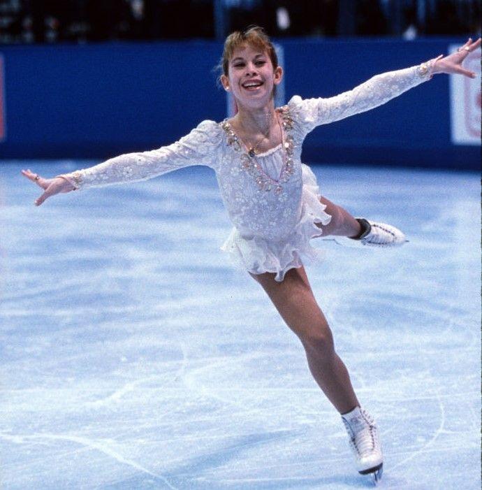 Tara Lipinskil skating